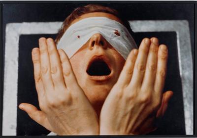 gina-pane_Detalle-de-Action-Psyche-(1974)